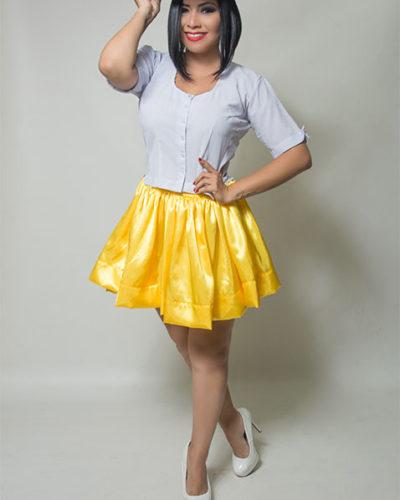 eleonora-cardona-blusa-blanca-falda-amarilla