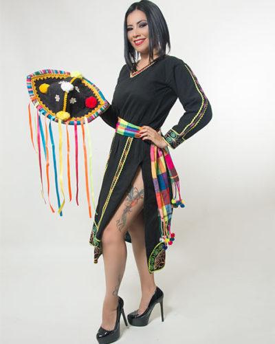 eleonora-cardona-traje-sombrero-negro